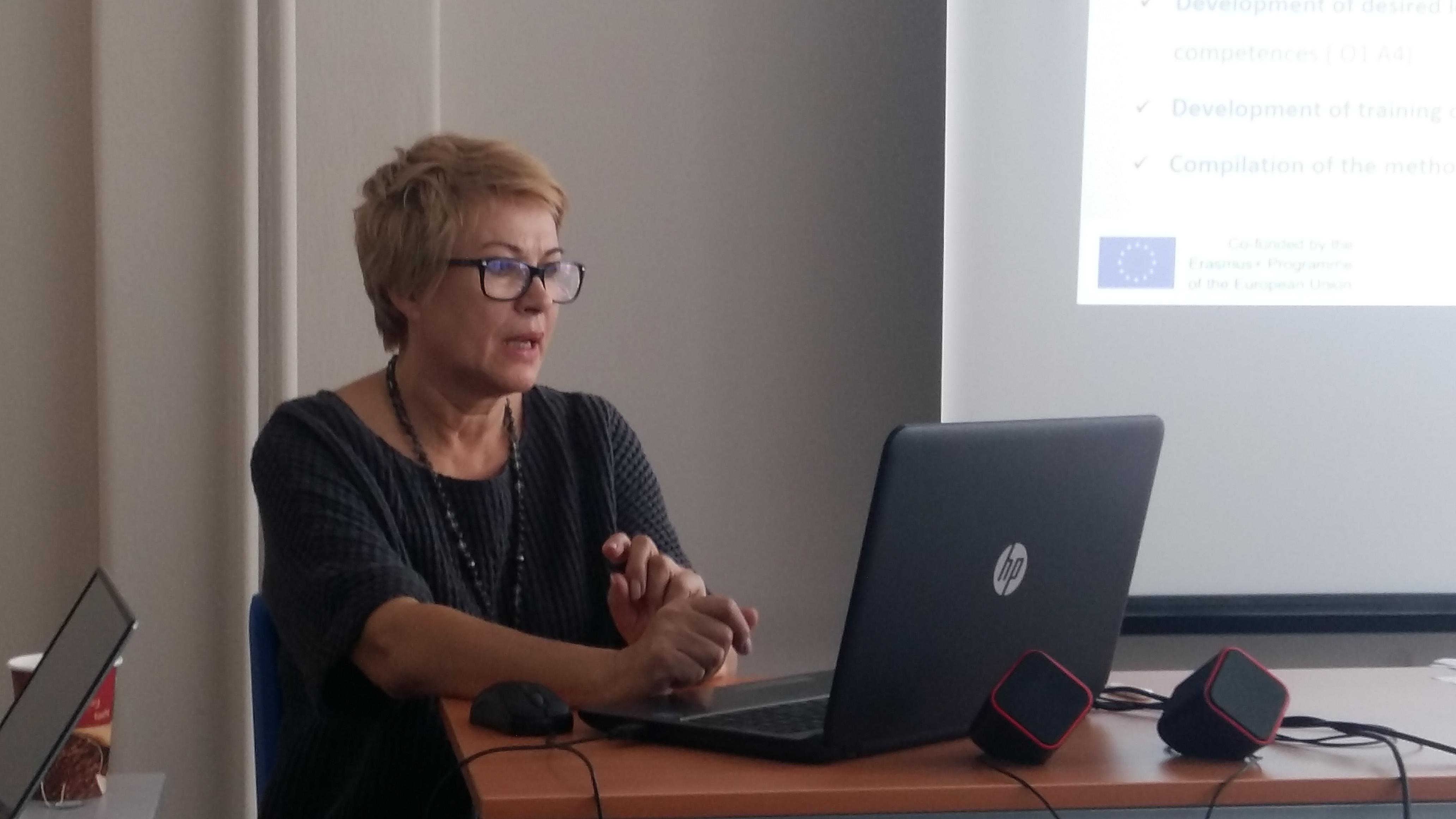 Senior Meeting Seniors Online